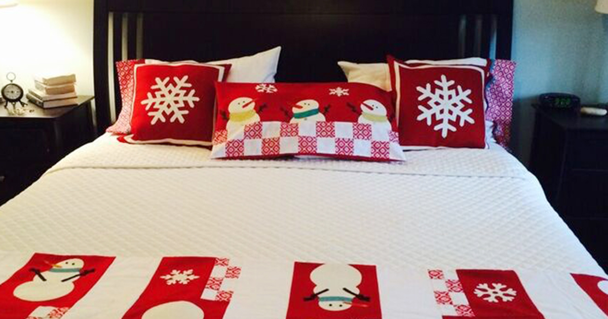 snowflake-pillows-1200x630